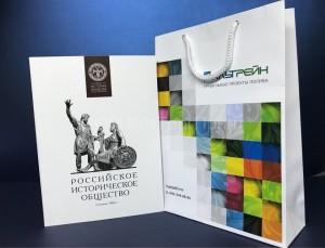 Шелкография на бумажных пакетах